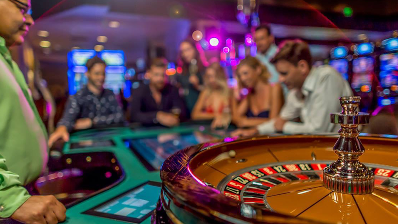 Gambling And Love – How They're The Same
